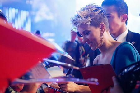 Scarlett Johansson la lam voi toc ngan - Anh 4