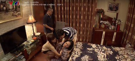 Can nha tuyet dep trong 'Song chung voi me chong' - Anh 12