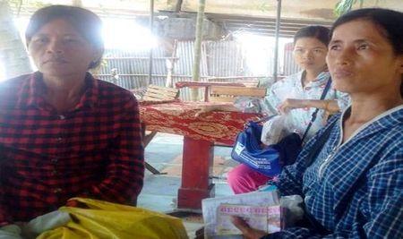 Nguoi dan ong la 'lot sach tien' cac ba ban ve so dao o Hue - Anh 1