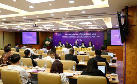 TPBank bau bo sung 2 nhan su cua SBI Holdings vao HDQT va Ban kiem soat - Anh 1