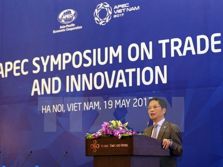 APEC 2017: Tang truong kinh te thong qua doi moi sang tao - Anh 1