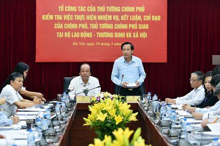 Bo truong Mai Tien Dung: 'Van ban cham, cu thay nguoi la nhanh het' - Anh 1