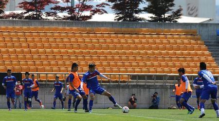 HLV Hoang Anh Tuan: 'U20 Viet Nam da o Han Quoc nhu da tren san nha' - Anh 1