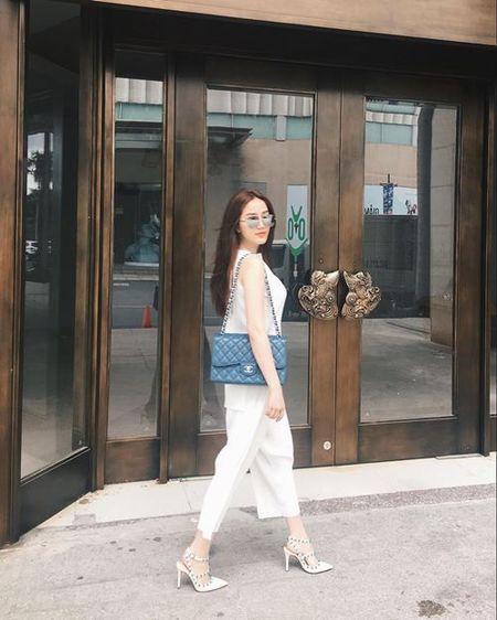 Khong kem gi Dong Nhi, Bao Thy cung 'tam' trong hang hieu - Anh 1