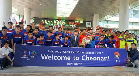 U20 Viet Nam nhan qua dac biet tai VCK U20 World Cup - Anh 1