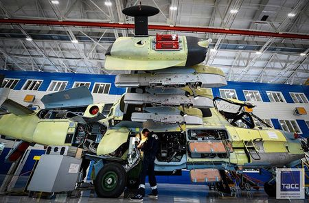 Thang loi o Syria, truc thang tan cong Ka-52 'sot xinh xich' - Anh 8