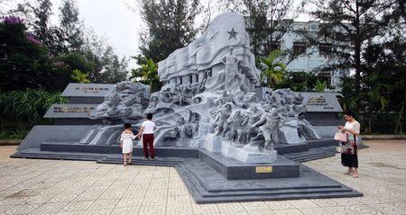 'Truong Son - Con duong huyen thoai' - Anh 1