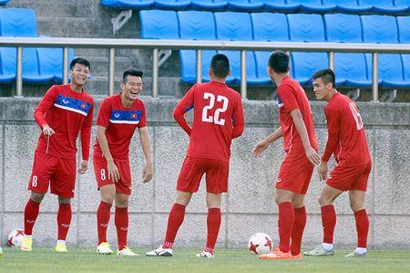 Hot boy U20 VN khien HLV Hoang Anh Tuan au lo - Anh 2