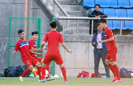 Hot boy U20 VN khien HLV Hoang Anh Tuan au lo - Anh 3