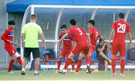 Hot boy U20 VN khien HLV Hoang Anh Tuan au lo - Anh 4