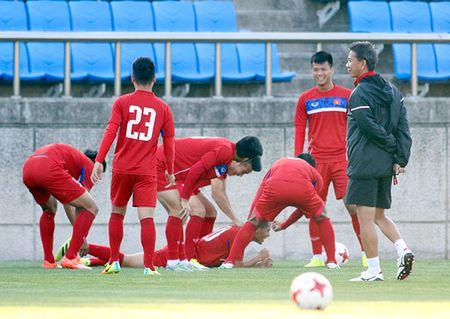 Hot boy U20 VN khien HLV Hoang Anh Tuan au lo - Anh 5