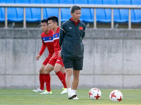 Hot boy U20 VN khien HLV Hoang Anh Tuan au lo - Anh 7