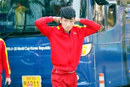 Hot boy U20 VN khien HLV Hoang Anh Tuan au lo - Anh 8