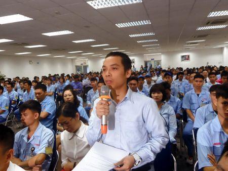 Chu tich Ha Noi doi thoai voi cong nhan khu cong nghiep Noi Bai - Anh 2