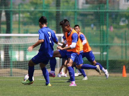 U20 Viet Nam lo doi hinh truoc tran gap U20 New Zealand - Anh 1