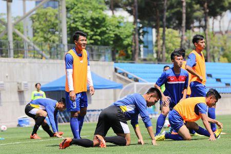 U20 Viet Nam lo doi hinh truoc tran gap U20 New Zealand - Anh 3