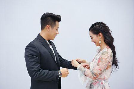 MC Nguyen Khang cham soc Quynh Chi nhu tinh nhan - Anh 7