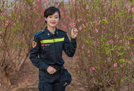Nu sinh Dai hoc Phong chay chua chay la A khoi nguoi mau anh - Anh 1