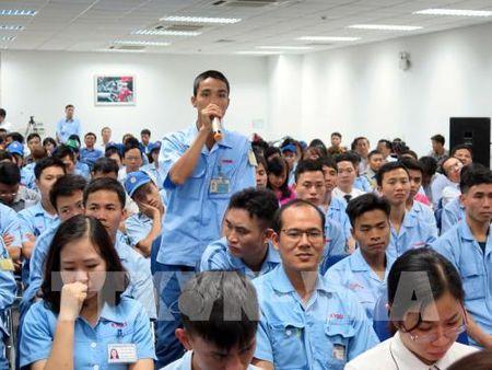 Chu tich UBND thanh pho Ha Noi doi thoai voi cong nhan lao dong - Anh 3