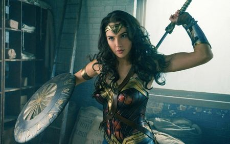 Wonder Woman: 'Cu no lon' tren man anh trong mua he nam nay? - Anh 2