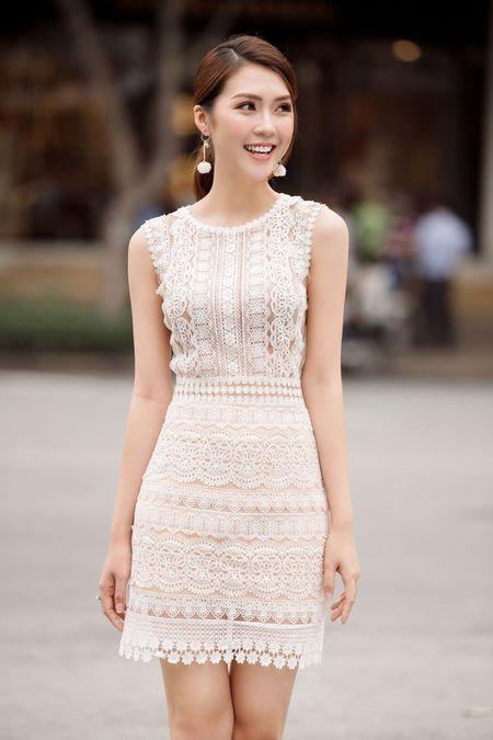 Guong mat 'The Face' Tuong Linh mong manh giua pho vang - Anh 4