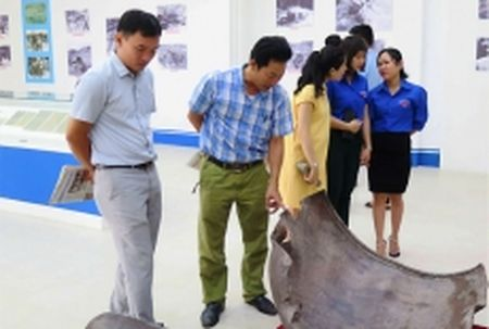 Trien lam chuyen de 'Truong Son - Con duong huyen thoai' tai Quang Nam - Anh 1