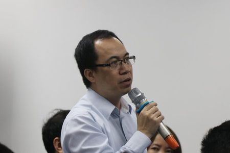 Chu tich HN: Se trien khai wifi mien phi cho cong nhan - Anh 2