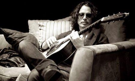Ruou, ma tuy khien Chris Cornell cua Soundgarden danh tieng treo co tu van? - Anh 1