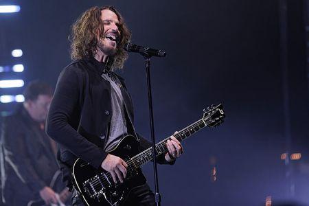 Ruou, ma tuy khien Chris Cornell cua Soundgarden danh tieng treo co tu van? - Anh 2