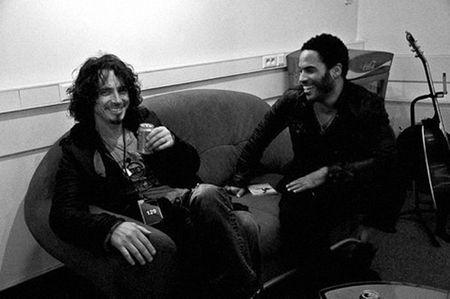 Ruou, ma tuy khien Chris Cornell cua Soundgarden danh tieng treo co tu van? - Anh 5