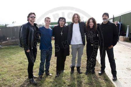 Ruou, ma tuy khien Chris Cornell cua Soundgarden danh tieng treo co tu van? - Anh 6