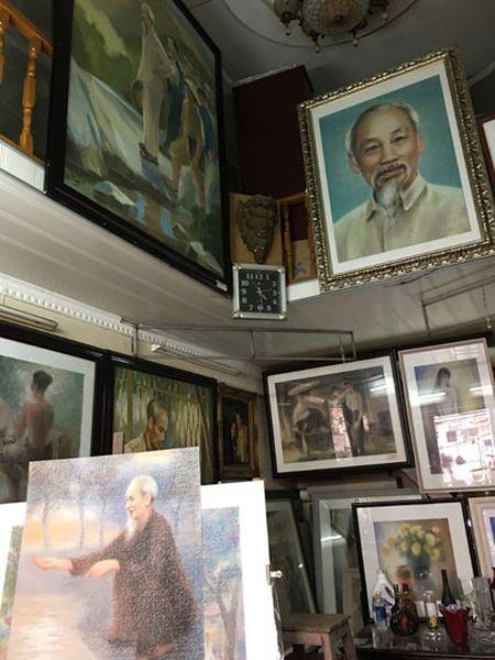 Hoa si Le Thai - nguoi danh gan ca cuoc doi ve chan dung Bac Ho - Anh 3