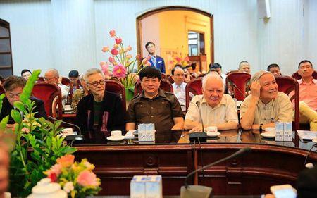 Ky niem 20 nam Bao Nhan Dan hang thang ra so dau tien - Anh 2