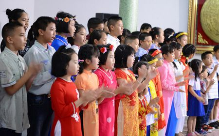 Ky niem 127 nam Ngay sinh Chu tich Ho Chi Minh tai Sec va Thai Lan - Anh 1