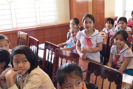 Quang Ngai: Lan dau tien moi chuyen gia day HS chong 'yeu rau xanh' - Anh 4