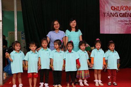Tang gieng khoan cho truong 'thay co chiu vat can hung nuoc cho tro' - Anh 5