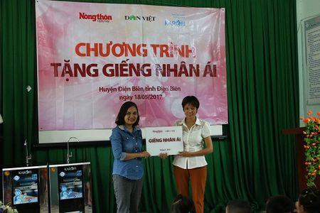 Tang gieng khoan cho truong 'thay co chiu vat can hung nuoc cho tro' - Anh 8
