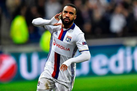 Vi FIFA, Lacazette khong the den Atletico Madrid? - Anh 1