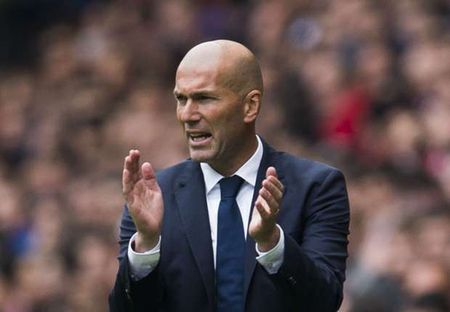 Kaka bat ngo voi thanh cong cua Zidane - Anh 1