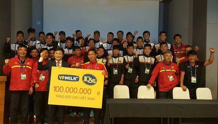 VPMilk tang U20 Viet Nam 100 trieu sat them World Cup - Anh 2