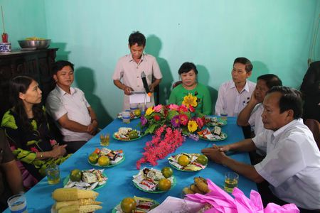 TAND tinh Thua Thien Hue trao tang nha tinh thuong cho ho ngheo - Anh 2