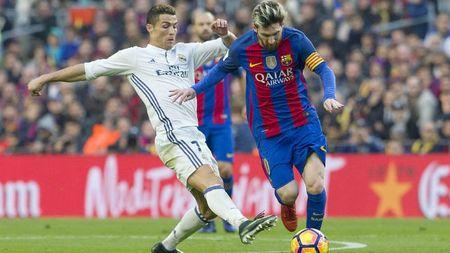 "10 nhan vat ""quyen luc"" nhat bong da: Ronaldo thua xa Messi - Anh 1"