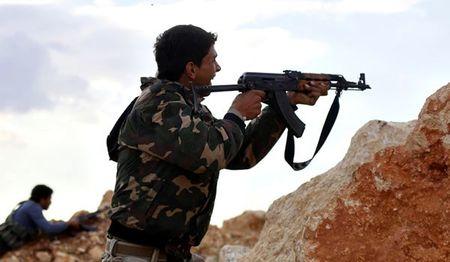 Syria: Nguoi Kurd tan cong du doi, IS mat tuyen tiep te cuoi cung o Raqqa - Anh 1