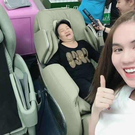 Thanh Thao hanh phuc ben ban trai, Dan Truong lo dien cung 'quy tu' - Anh 5