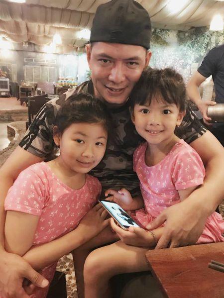 Thanh Thao hanh phuc ben ban trai, Dan Truong lo dien cung 'quy tu' - Anh 6