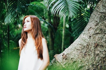 Cu dan mang 'truy tim' co gai tung MV cover Lac Troi cua Son Tung M-TP dang gay sot - Anh 8