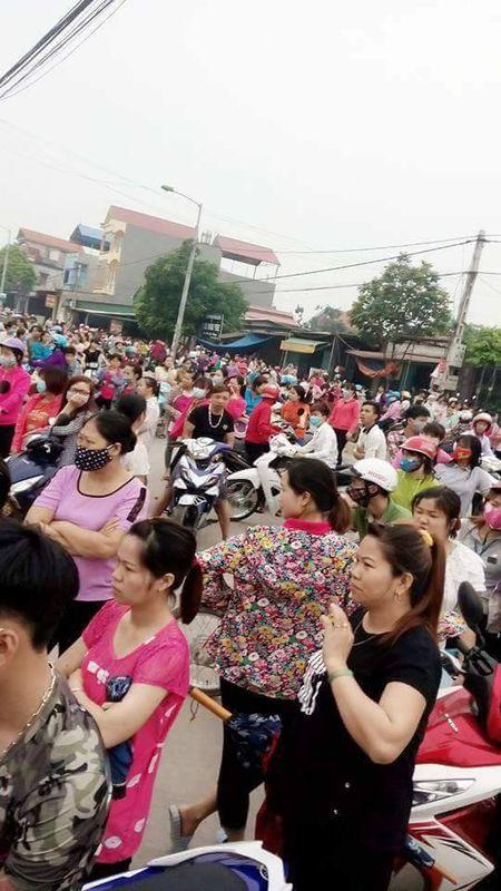 Vu hang tram cong nhan dinh cong duoi mua o Bac Giang: Nguyen vong cua nguoi lao dong da duoc dap ung - Anh 5