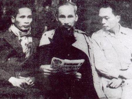 Nhung hinh anh Bac Ho tai ATK Dinh Hoa (Thai Nguyen) - Anh 10