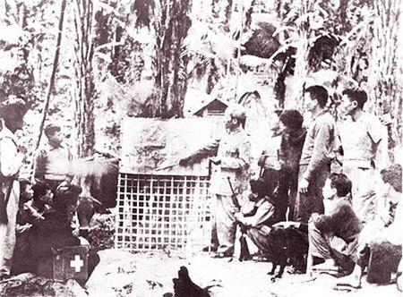 Nhung hinh anh Bac Ho tai ATK Dinh Hoa (Thai Nguyen) - Anh 13