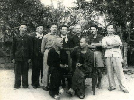 Nhung hinh anh Bac Ho tai ATK Dinh Hoa (Thai Nguyen) - Anh 5